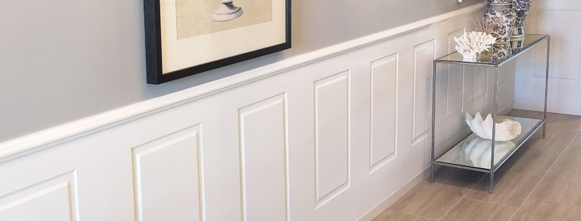 Colonial Wall Linings - Entrance Hallway with Wainscoting Wall Panels featuring Timber Mouldings - MDF Mouldings - Dado Rail, Belt Rail, Skirt, Skirts, Skirting, Architrave, Architraves